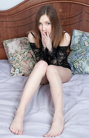 Teens naked in bed pics